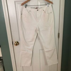 Merida Straight Devin White jeans NWOT
